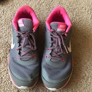 Nike 9 flex trainer grey pink sneakers shoes